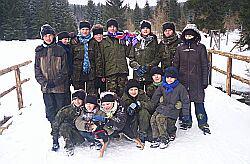 Uczestnicy zimowiska w górach